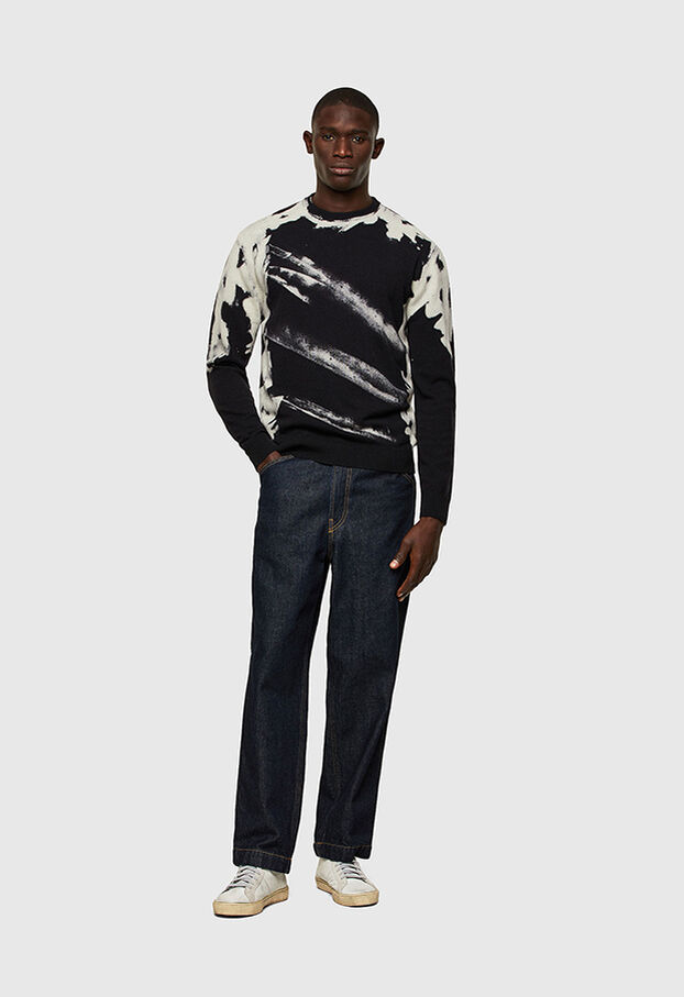 https://uk.diesel.com/dw/image/v2/BBLG_PRD/on/demandware.static/-/Library-Sites-DieselMFSharedLibrary/default/dwe830bde7/CATEGORYOV/2X2_NITRO_KNITWEAR_A01766_0JBAS_9XX_C.jpg?sw=622&sh=907