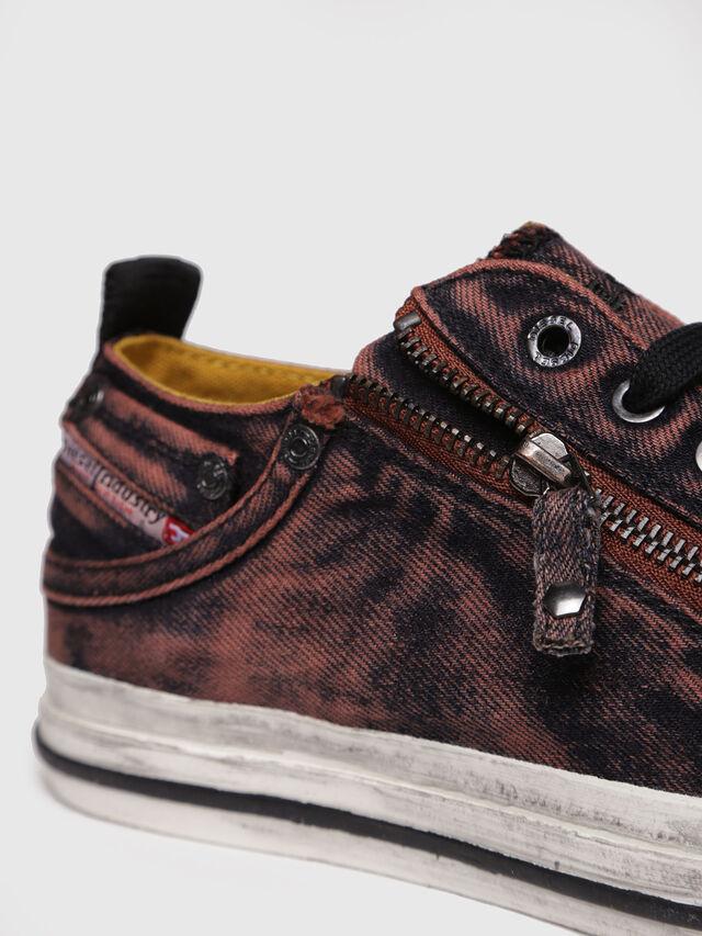 Diesel - EXPO-ZIP LOW W, Red - Sneakers - Image 4