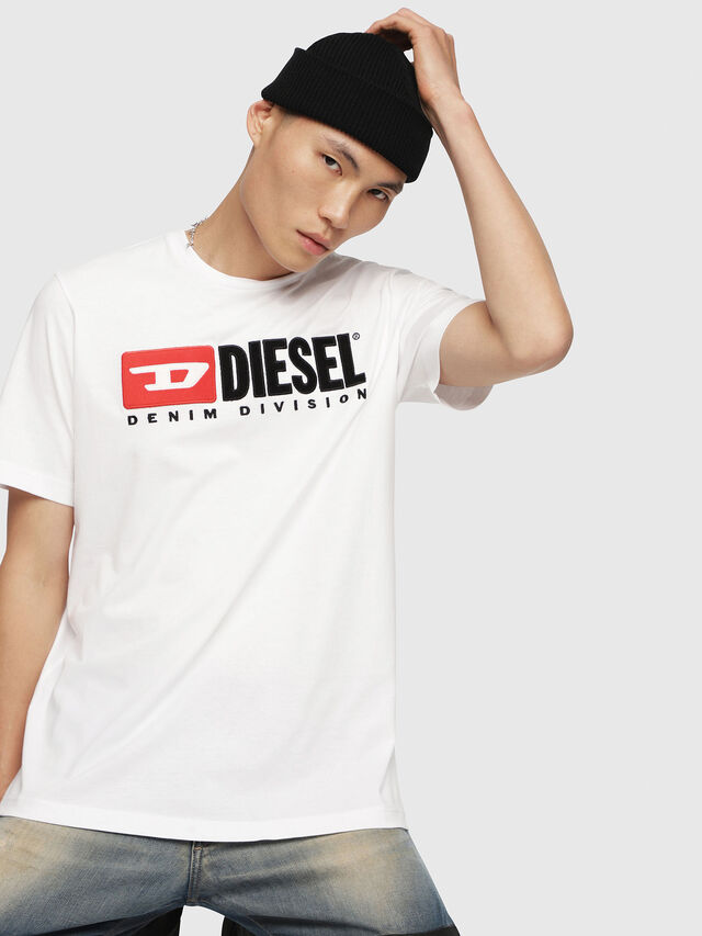 69b3673cdc216f T-JUST-DIVISION Men: T-Shirt with Diesel 90's logo | Diesel