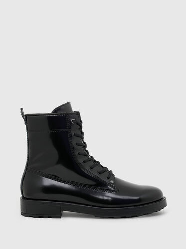 Combat boots in polished leather