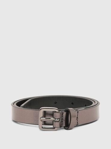 Slim belt in metallic leather