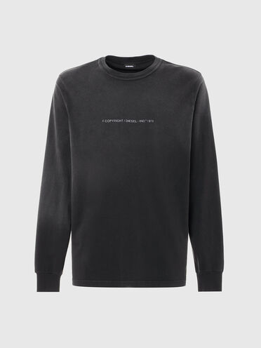 Long-sleeve T-shirt with faded treatment