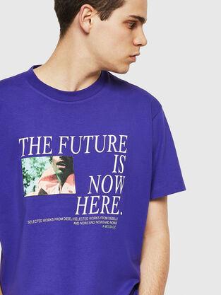 58d3524af1 Mens T-shirts  logo