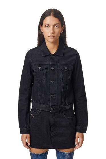 Cropped trucker jacket in washed denim