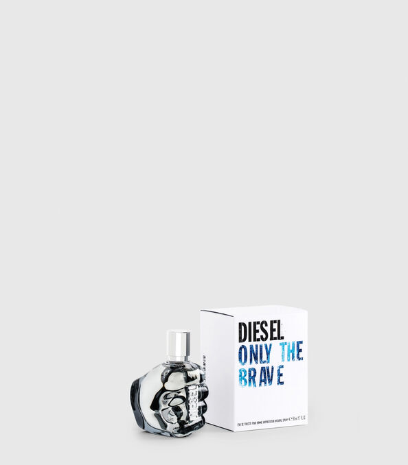 https://uk.diesel.com/dw/image/v2/BBLG_PRD/on/demandware.static/-/Sites-diesel-master-catalog/default/dw2e2f7f23/images/large/PL0123_00PRO_01_O.jpg?sw=594&sh=678