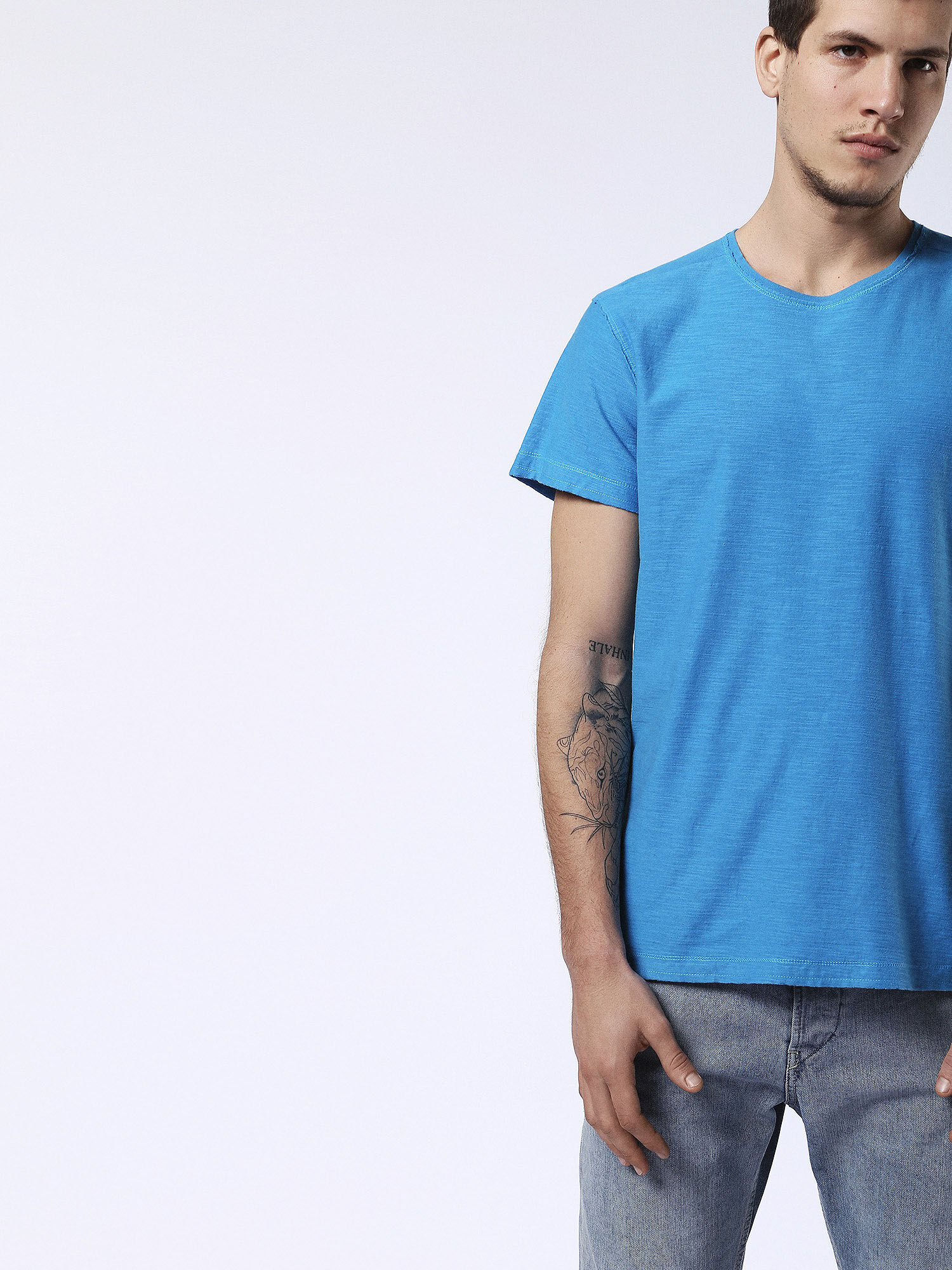 00SRFL00KDY T-Shirts Man T-KNAK by Diesel Skyway