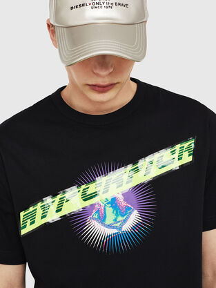 39771a782e1 Mens T-shirts  logo