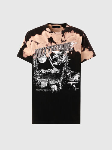 Treated graphic T-shirt