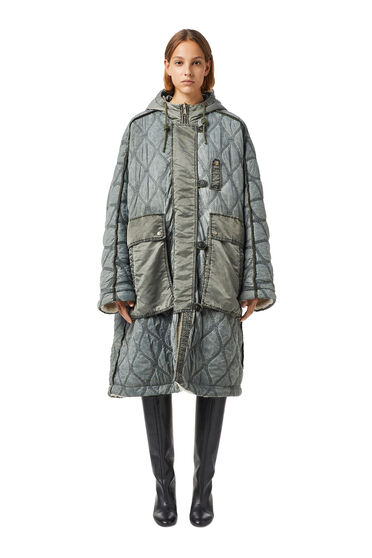 Reversible cape jacket in quilted nylon