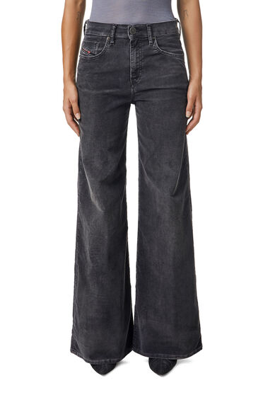 Bootcut and Flare - D-Akemi
