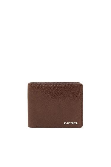 Bi-fold wallet with colour detail