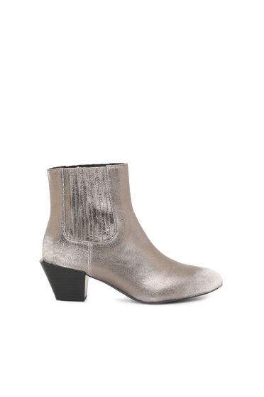 Chelsea boots in metallic leather