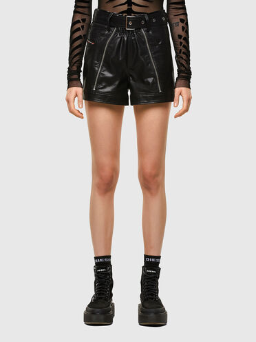 Five-pocket shorts in faux leather