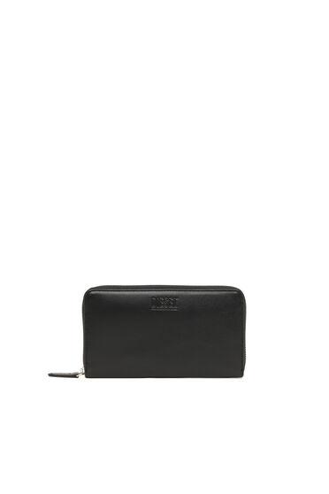 Zip-around wallet in nappa