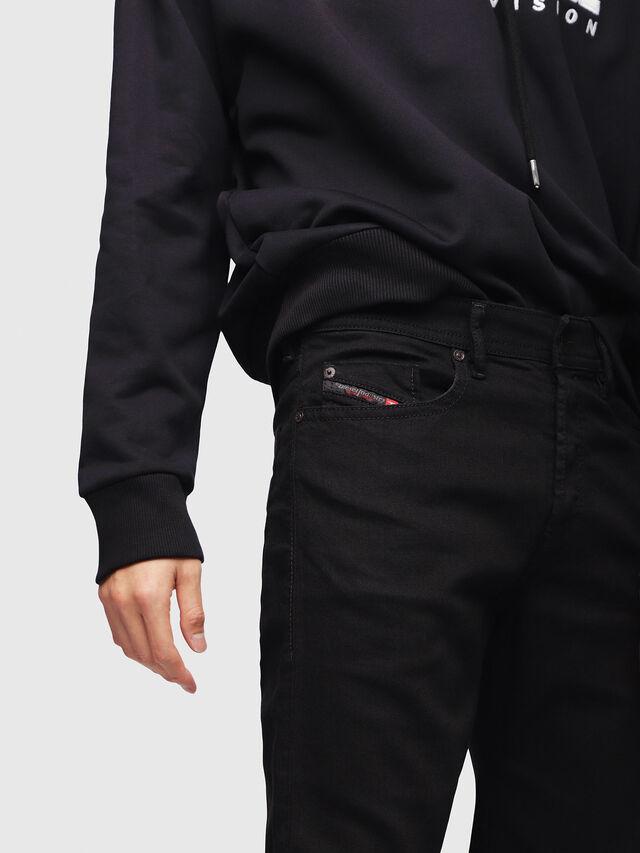 BUSTER 0886Z, Black Jeans