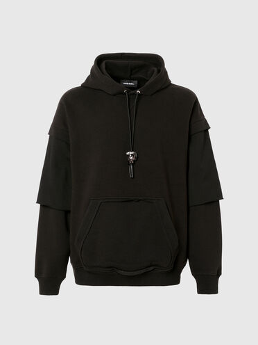 Sweatshirt with cut-out pocket