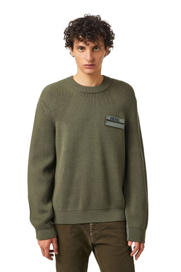 Two-tone wool pullover
