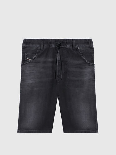 Slim shorts in lightly treated JoggJeans®