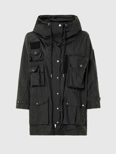 Hooded parka with 3D pockets