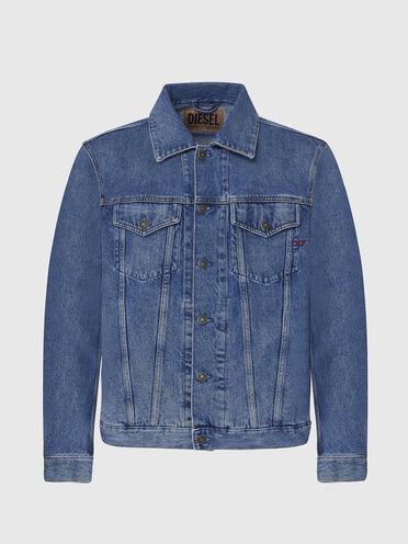 Trucker jacket in vintage-wash denim
