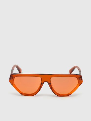 Geometric pilot wrap around frame in acetate with extended lenses