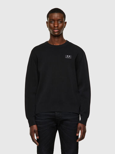 Garment-dyed pullover with emoji patch
