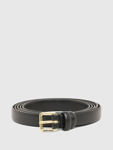Double-wrap belt with logo buckle