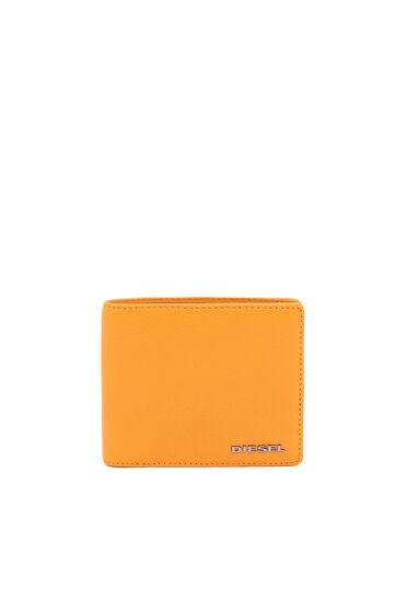 Bi-fold wallet in leather