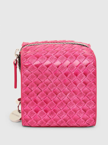 Cube pouch with woven texture
