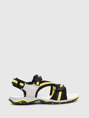 SA 07 STRIPE CH, Gray/Black - Footwear