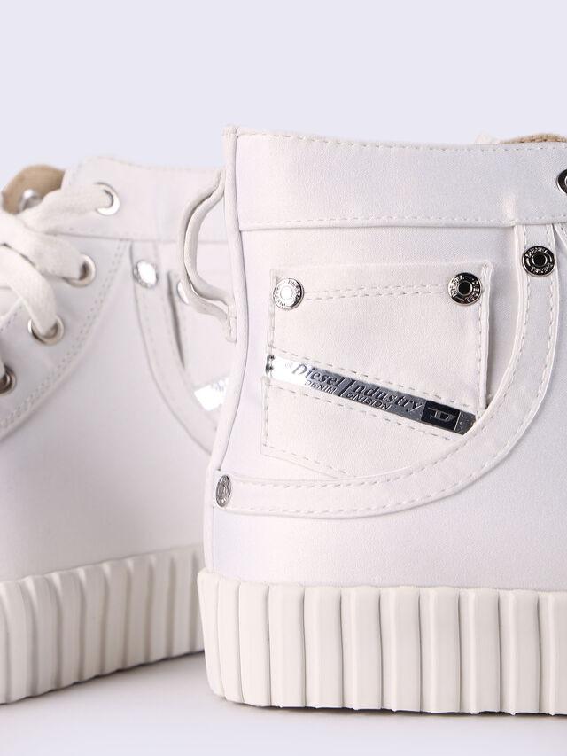 S-EXPOSURE CMC W, White
