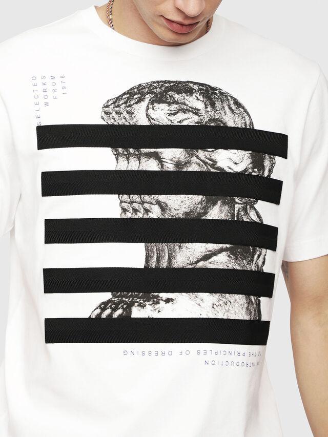 19536939 T-JUST-YO Men: Regular fit T-Shirt with tape details   Diesel